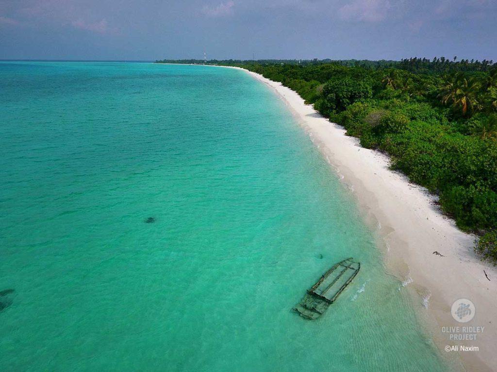 Ha.Kelaa Maldives white sandy beach with wreck