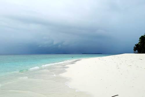 Stormy weather ©Shiva Sawmy