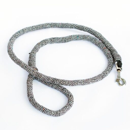 Ghost leasg dog leash made from ghost net in grey. Image.