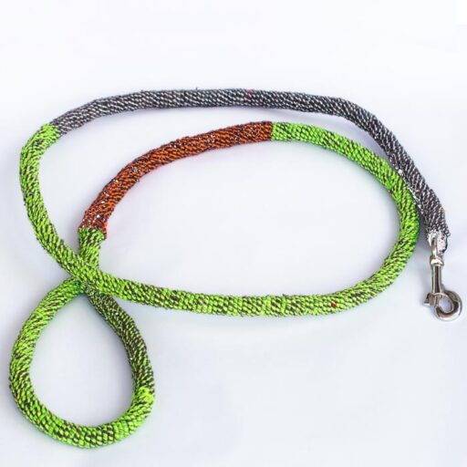 Ghost leasg dog leash made from ghost net in multicoloured. Image.